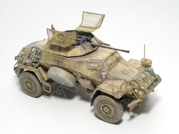 Sd.Kfz. 222 - LIBIA 1/16 Komplet: model i wręgi •